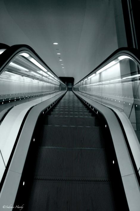 amsterdam, musée d'art moderne Escalator