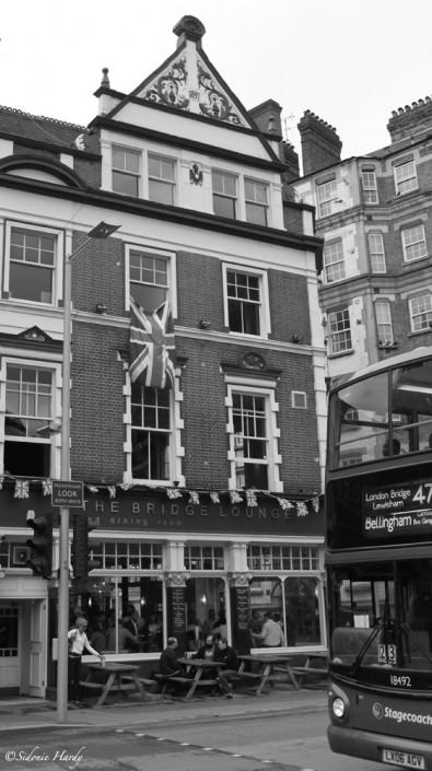 bus & pub london
